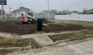 Comenzaron los trabajos para mejorar la Plazoleta Malvinas Argentinas
