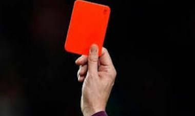 Fútbol: Suspenden por cuatro años a jugador por agredir a un árbitro local