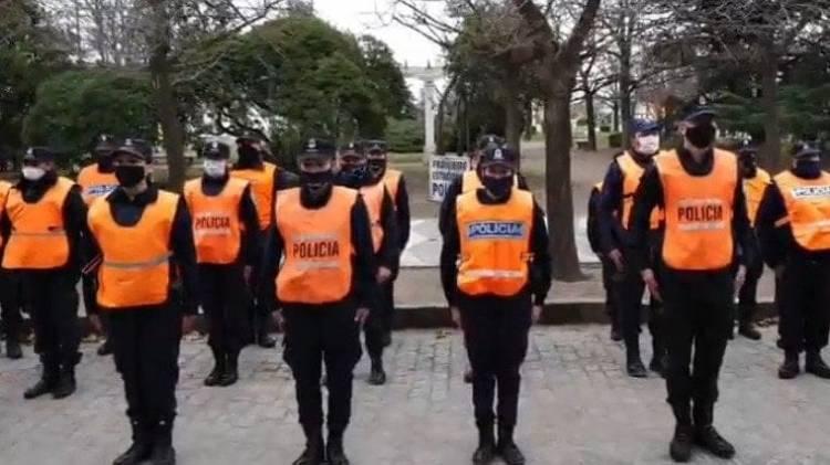 Ascensos para efectivos policiales de Pringles