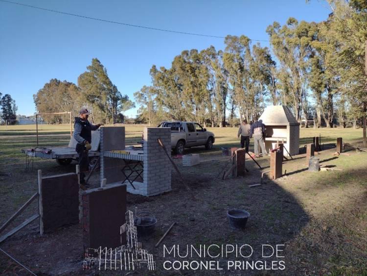 Continúan las mejoras en el Polideportivo de Indio Rico