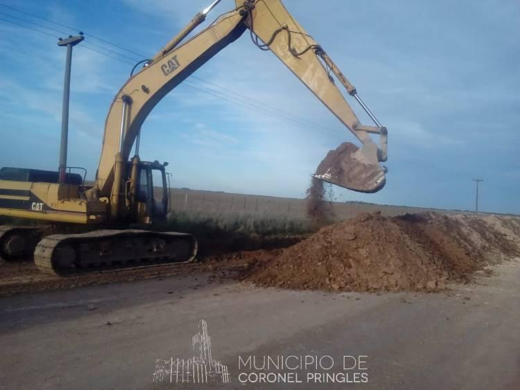 Arreglos de caminos en Indio Rico
