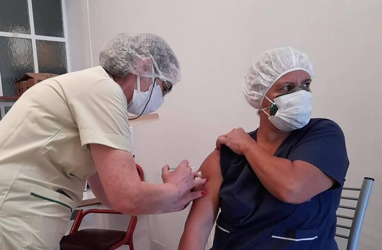 En Coronel Pringles se vacunaron aproximadamente 10 mil personas